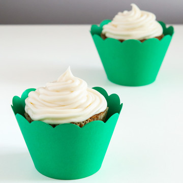 Green Scalloped Cupcake Wrapper (12)